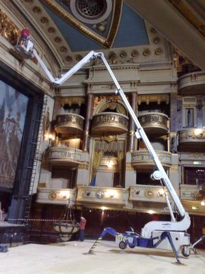 FS-230 FALCON Spider Lift