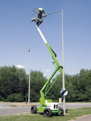 NIFTYLIFT HR12 4x4 Boom Lift
